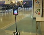 Robot giúp học sinh khuyết tật đi học mỗi ngày