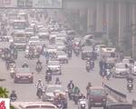 Không khí Hà Nội ô nhiễm báo động, khói bụi không thể thoát lên cao