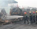 Xe tải va chạm bốc cháy dữ dội, 2 người thiệt mạng