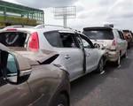 8 ô tô tông liên hoàn, cao tốc TP.HCM - Trung Lương ùn tắc hơn 10km