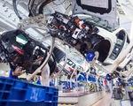 CNBC: Mỹ dự định trì hoãn việc tăng thuế lên ô tô nhập khẩu từ EU thêm 6 tháng - ảnh 1