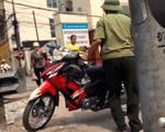 Lật mặt cò mồi lừa đảo trước cổng Bệnh viện Tai mũi họng Trung ương