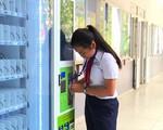 TP.HCM: Học sinh dùng thẻ thông minh đến trường