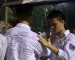 Lễ tri ân trưởng thành đầy xúc động của học sinh lớp 12 trường THPT Yên Hòa
