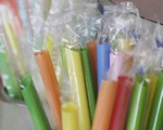 Argentina: Thủ đô Buenos Aires cấm sử dụng ống hút nhựa