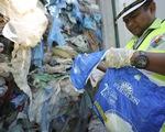 """Malaysia """"tuyên chiến"""" với rác thải nhựa nhập khẩu"""