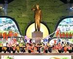 Khánh thành Tượng đài Bác Hồ với đồng bào các dân tộc Tây Bắc