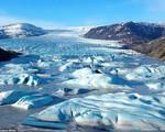 Cận cảnh vẻ đẹp kỳ ảo của dòng sông băng lớn nhất châu Âu