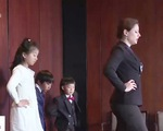 Lớp dạy nghi lễ thượng lưu cho con nhà giàu tại Trung Quốc