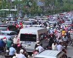 Ùn tắc giao thông tại Hà Nội ngày càng trầm trọng