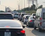 Kẹt xe gần 10km trên cao tốc TP.HCM - Long Thành - Dầu Giây