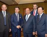 Phó Chủ tịch Quốc hội Phùng Quốc Hiển hội đàm với Phó Chủ tịch Thượng viện Italy - ảnh 1