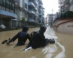 Hàng chục người thiệt mạng vì mưa lũ tại Nam Á