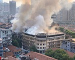 Cháy nhà hàng hàng trăm tuổi tại Vũ Hán, Trung Quốc