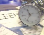 Anh ra hướng dẫn số giờ ngủ cho người dân