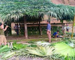 Người dân biên giới đóng góp vật liệu, công sức xây dựng phòng học cho con em