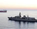 Anh điều tàu chiến hộ tống các tàu treo cờ Anh qua eo biển Hormuz