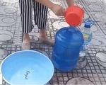 Nước sông Đà xuống thấp, người dân Hà Nội đối mặt với nguy cơ thiếu nước sạch