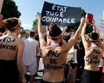 """Phụ nữ Pháp biểu tình """"Ngừng giết hại phụ nữ"""""""