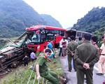 Tích cực cứu chữa nạn nhân vụ tai nạn giao thông nghiêm trọng ở Hòa Bình