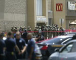 Xả súng tại siêu thị Walmart ở Mỹ, ít nhất 20 người thiệt mạng
