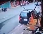 Mất lái, xe ô tô lao thẳng xuống ruộng rồi lật ngửa - ảnh 1