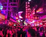 Thái Lan cho phép quán bar, khu giải trí mở muộn hơn để thúc đẩy du lịch