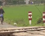 Nguy cơ tai nạn vì vi phạm hành lang an toàn giao thông đường sắt