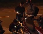 Đội cứu hộ xuyên đêm ở Đà Nẵng
