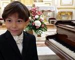 Thần đồng piano 6 tuổi của nước Pháp
