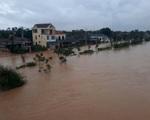 Mưa lớn, lũ lên, một số nơi tại Quảng Trị đã ngập sâu cả mét