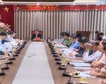 Thành ủy Hà Nội họp giải quyết tình trạng người dân chặn xe rác vào bãi rác Nam Sơn