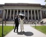Mỹ xem xét rút ngắn thời hạn visa của sinh viên quốc tế