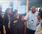 Nghỉ việc mùa dịch - nỗi buồn nghề lái xe bus trường học Mỹ