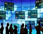 Nhà đầu tư ồ ạt đổ tiền vào các quỹ chứng khoán