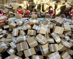 Nan giải bài toán rác thải do bùng nổ thương mại điện tử ở Trung Quốc