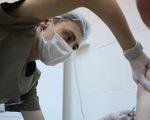 Vaccine COVID-19 được kỳ vọng là 'viên đạn bạc' ngăn chặn dịch bệnh