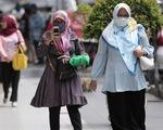 Người dân tụ tập, số ca mắc COVID-19 ở Indonesia tăng kỷ lục
