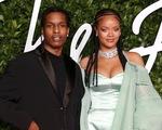 Hẹn hò với bạn thân, Rihanna hạnh phúc hơn bao giờ hết