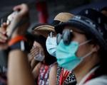 Cha con người Trung Quốc cảm ơn các bác sĩ Việt Nam khi chữa khỏi COVID-19 - ảnh 1