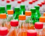 Indonesia xem xét áp thuế tiêu thụ đặc biệt với nước ngọt và túi nylon