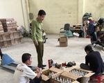 Hà Nội: Phát hiện cơ sở kinh doanh thay đổi hạn sử dụng của các loại nước ngọt đóng chai hết hạn