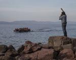 Hy Lạp dựng hàng rào trên biển ngăn người di cư