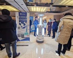 Trung Quốc điều robot khử trùng đến các bệnh viện tại Vũ Hán