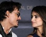 Penelope Cruz chống lại vợ cũ của Johnny Depp