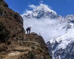 Hàng trăm người mắc kẹt trên dãy Himalaya sau khi Nepal áp dụng lệnh phong toả
