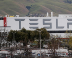 Tesla đạt thỏa thuận mở cửa lại nhà máy
