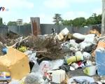 Bãi rác tự phát gây cản trở giao thông Quốc lộ 1A