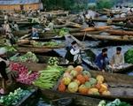 Ấn Độ: Chợ nổi hoạt động bất chấp lệnh phong tỏa