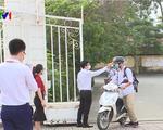 Học sinh Hà Nội nghiêm túc tuân thủ quy định phòng dịch khi đi học trở lại